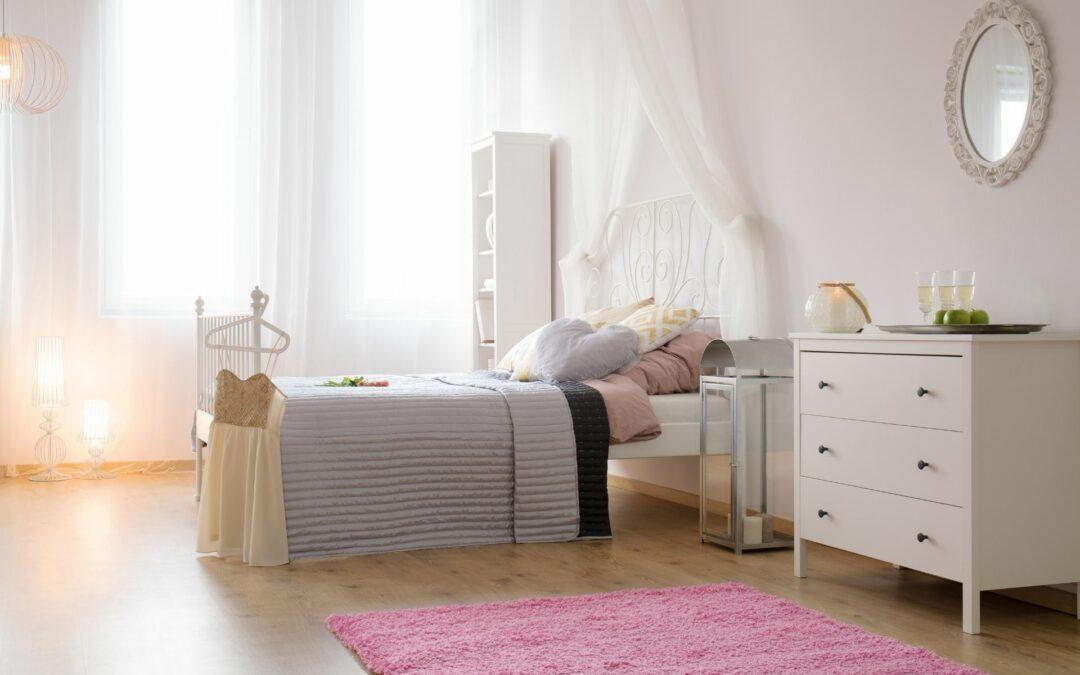 Jednokolorowe dywany do sypialni – czy to dobry pomysł?