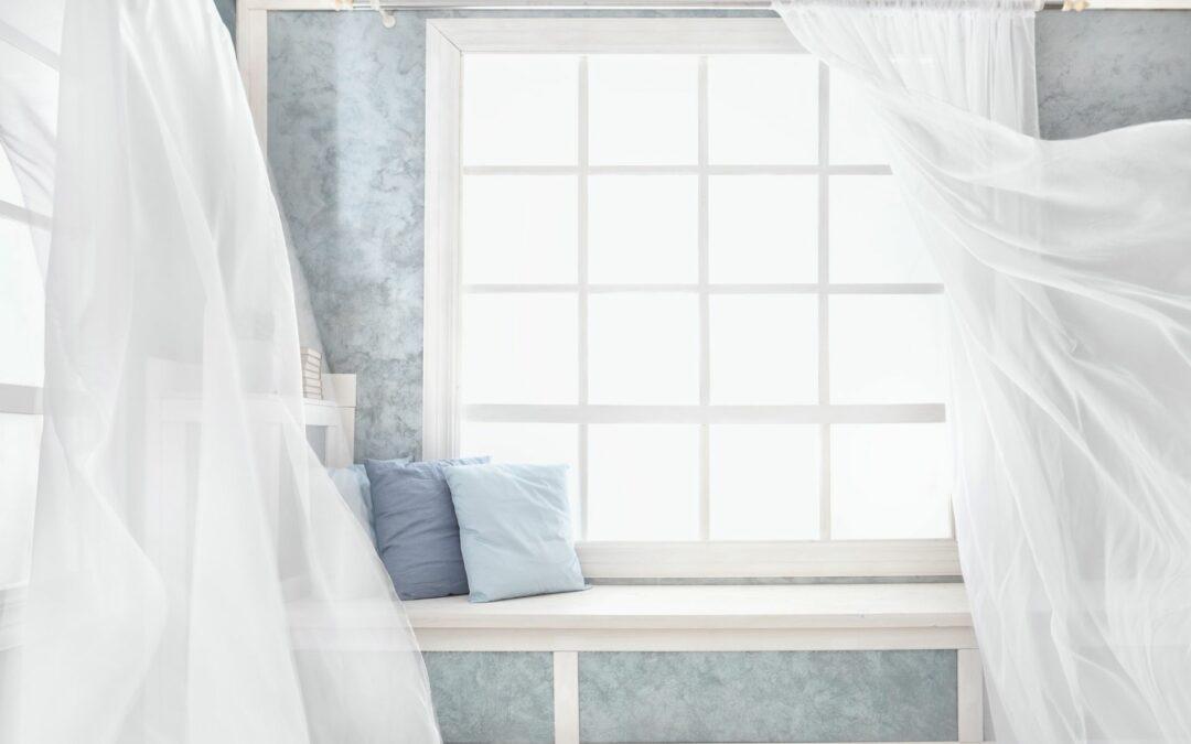 Jak modnie i stylowo udekorować okno?